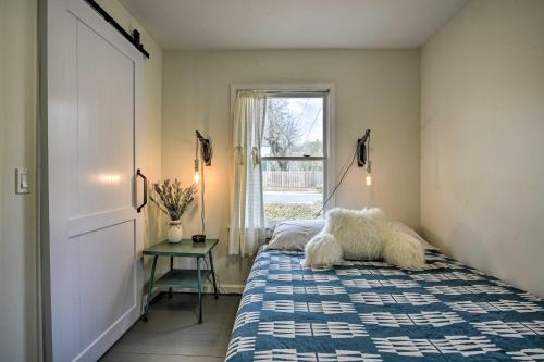 Cozy Carrboro Cottage Perfect for Couples