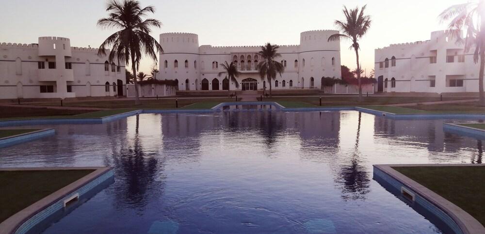 Gallery image of Sohar Beach Hotel