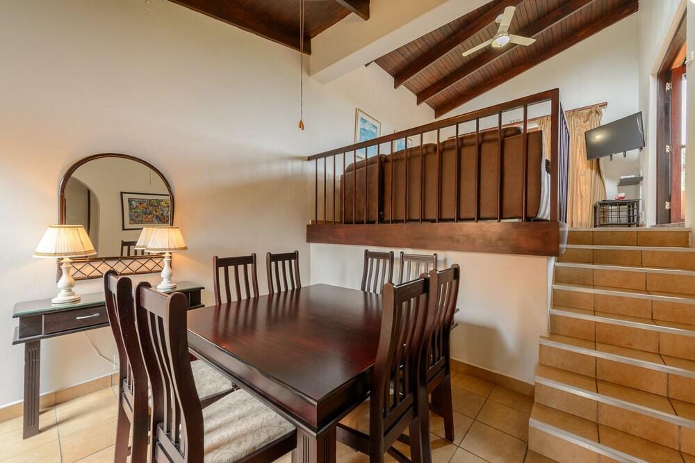 San Lameer Villa Rentals 2816