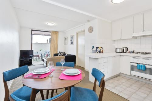 South Perth Executive Apartment