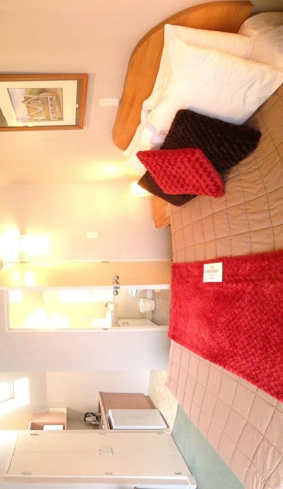 Gallery image of Asure Bush Inn Court Motel