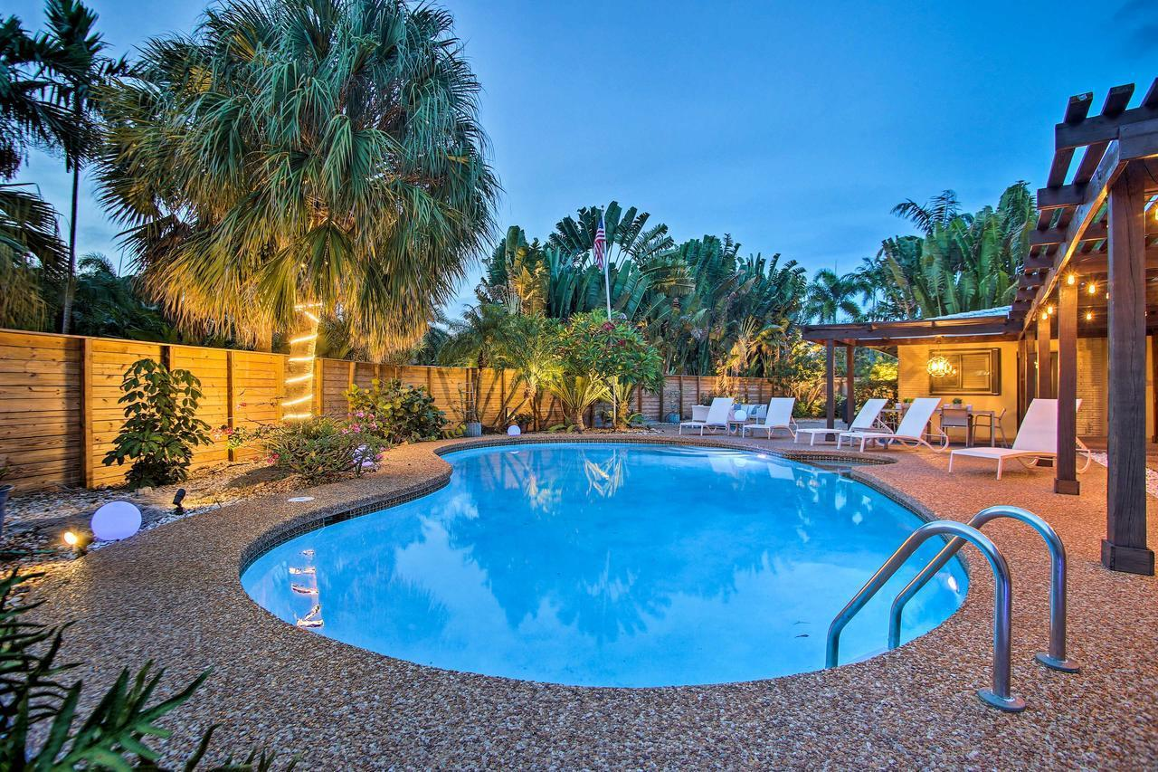 Updated & Private Oakland Park Home 2 Mi to Beach