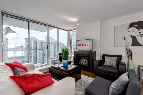Vancouver Hamilton St Apartment
