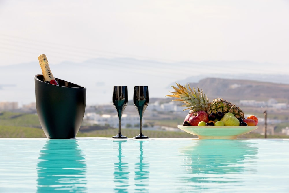 Luxury Villa With Private Pool Sunset and Caldera View