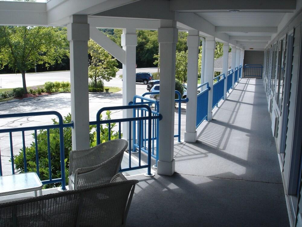 Gallery image of Fontana Village Inn