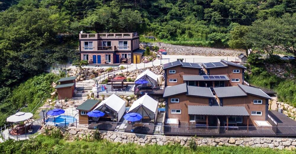 Gyeongju Rosso House Pension