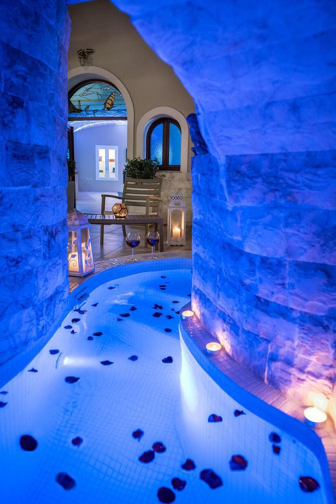 Santorini Suite Home