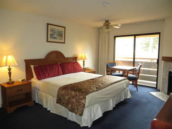 Gallery image of The Monarch Resort