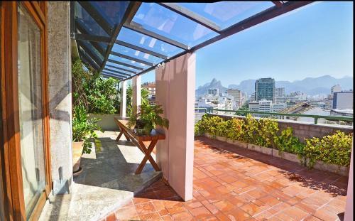 Ipanema's Beautiful Penthouse