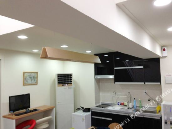 Gallery image of Nol Guesthouse