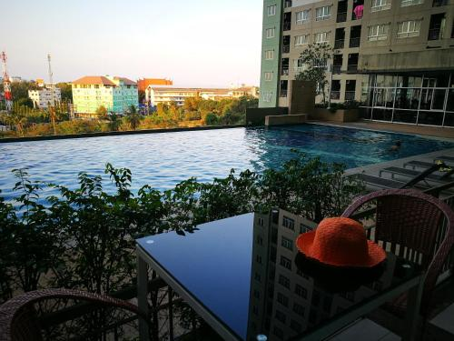 Pattaya LPN Condo with Swimming pool View1