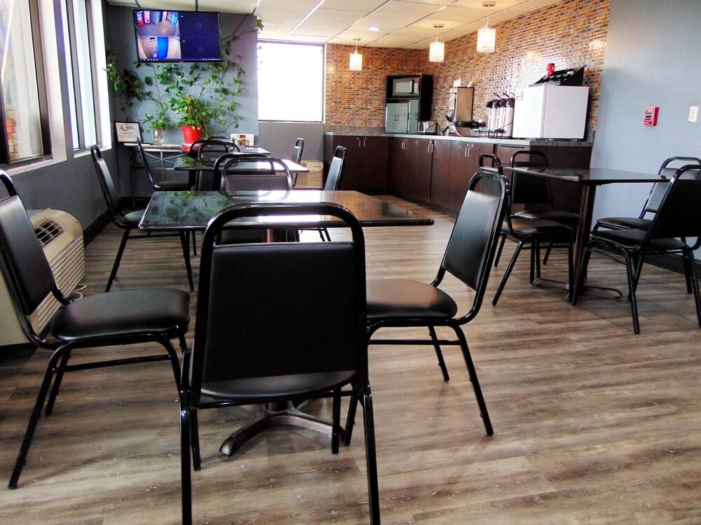 Gallery image of Somatel Nashville Airport Hotel