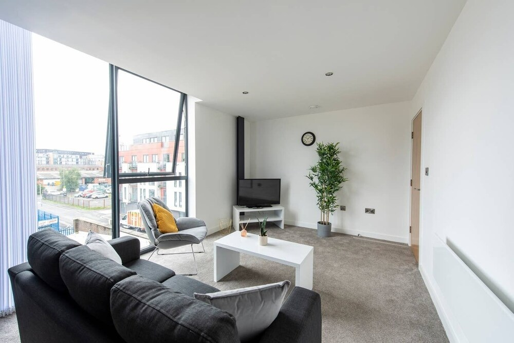 Luxury Apartment Private Balcony City Centre