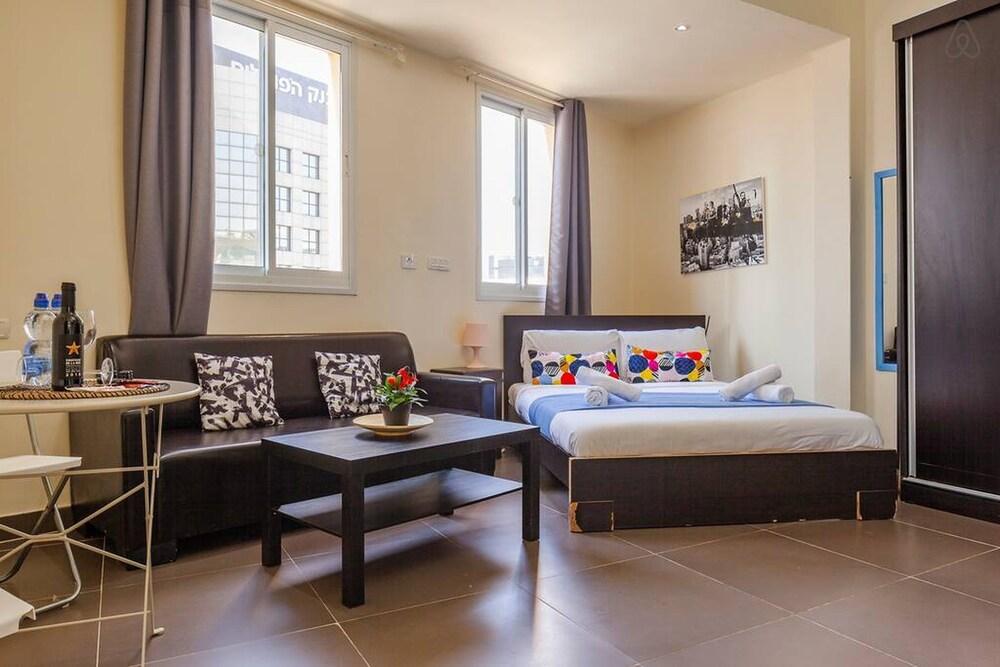NHE Rothschild Apartments