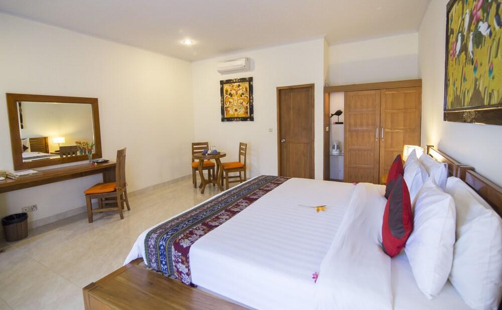 Gallery image of Puri Sari Beach Hotel