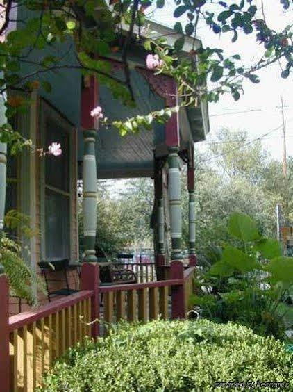 Robin's Nest Bed and Breakfast Inn