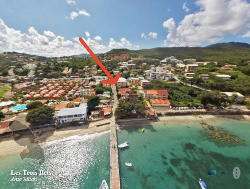 LE TROPICANA beau 2 pièces à 50m de la plage Trois ilets