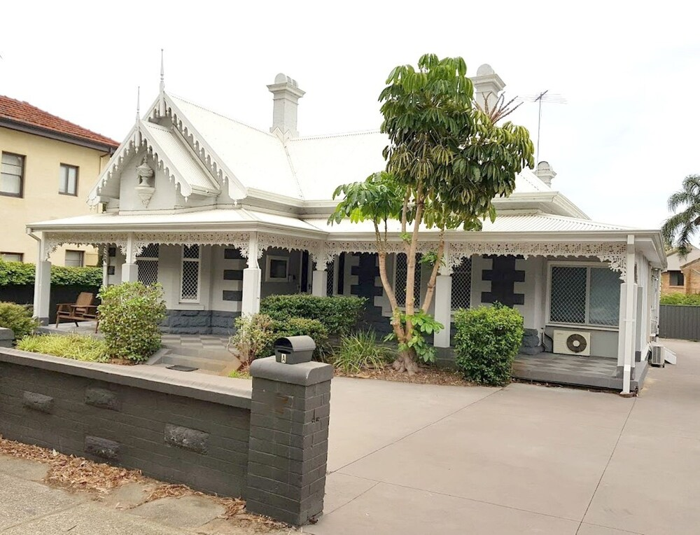 Heritage And Charming House In Subi