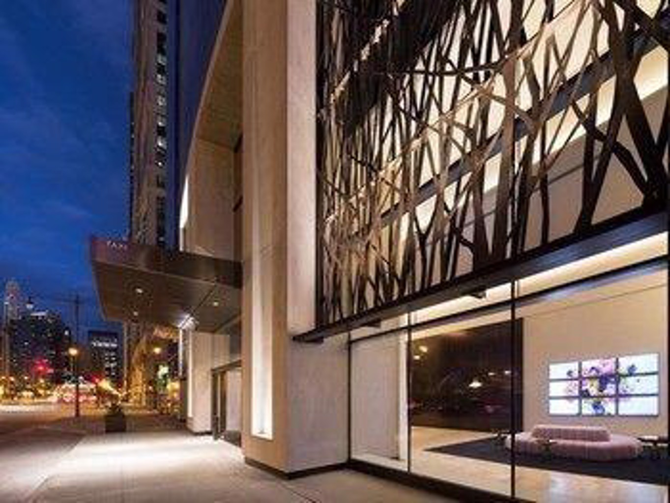 Global Luxury Suites In Downtown Chicago
