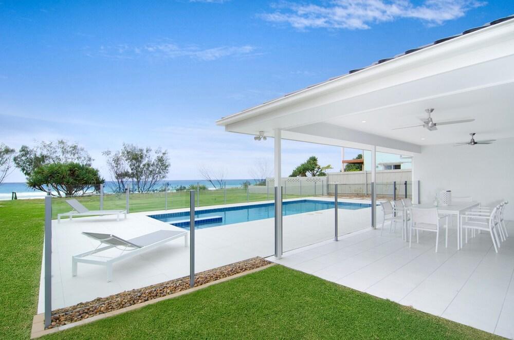 Sentosa at Tugun Beachfront Holiday Home