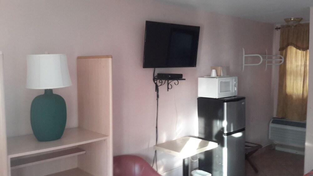 Gallery image of Contys Motel