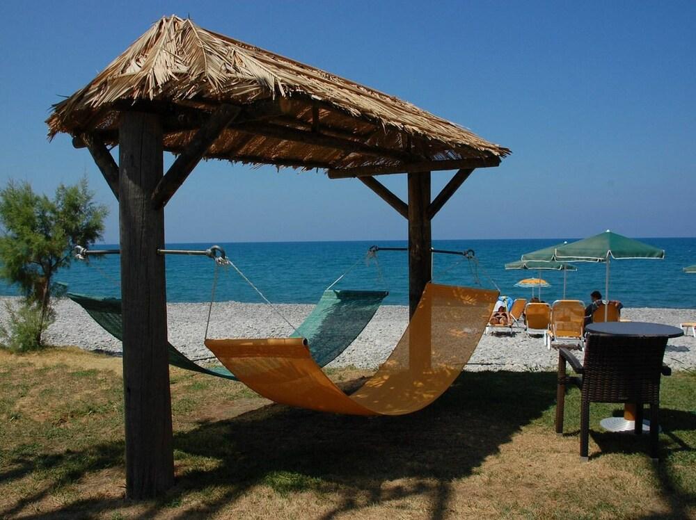 Gallery image of Mythos Beach Hotel