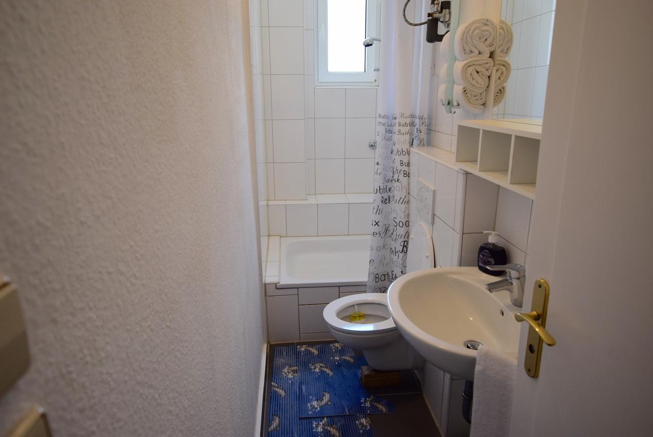 AB Apartment 82