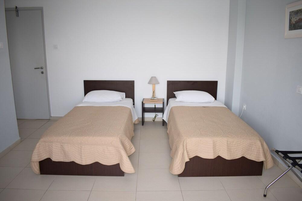 Gallery image of Vari Beach Hotel