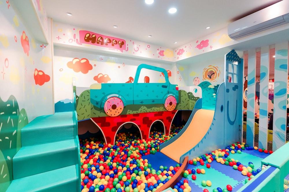 Jiutiandou Parent Child House