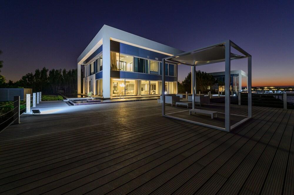 Airbetter Nurai Luxury Sea Villa