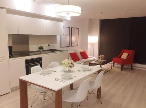 Vancouver Seymour Apartment