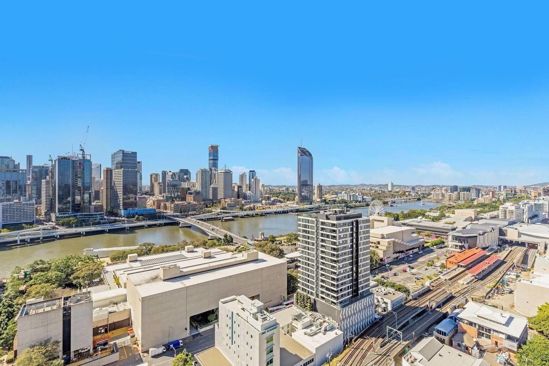 Luxury 2bed South Brisbane Qsb038