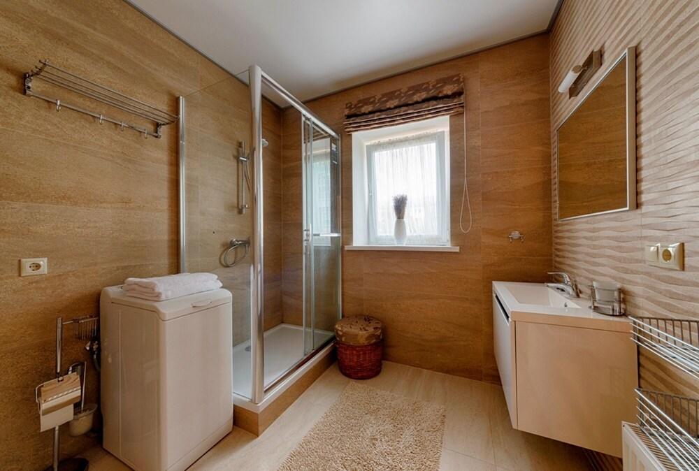Arenda Apartments Surganova5A