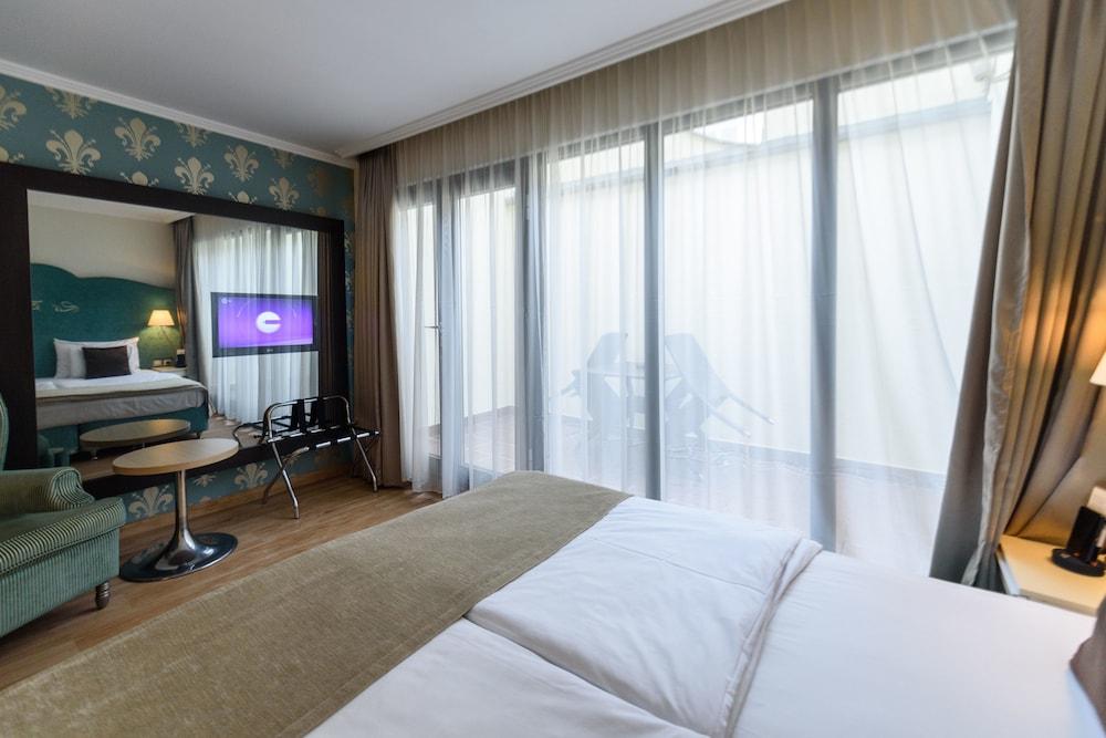 Gallery image of La Prima Fashion Hotel