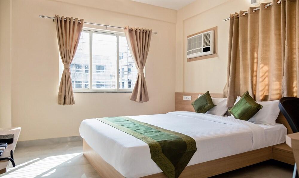 Treebo Indus Residency Premium