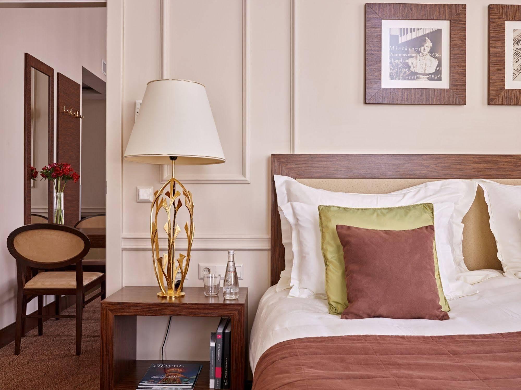 The Ring Vienna's Casual Luxury Hotel ( رینگ ویناس كاسوال لاکچری هتل)
