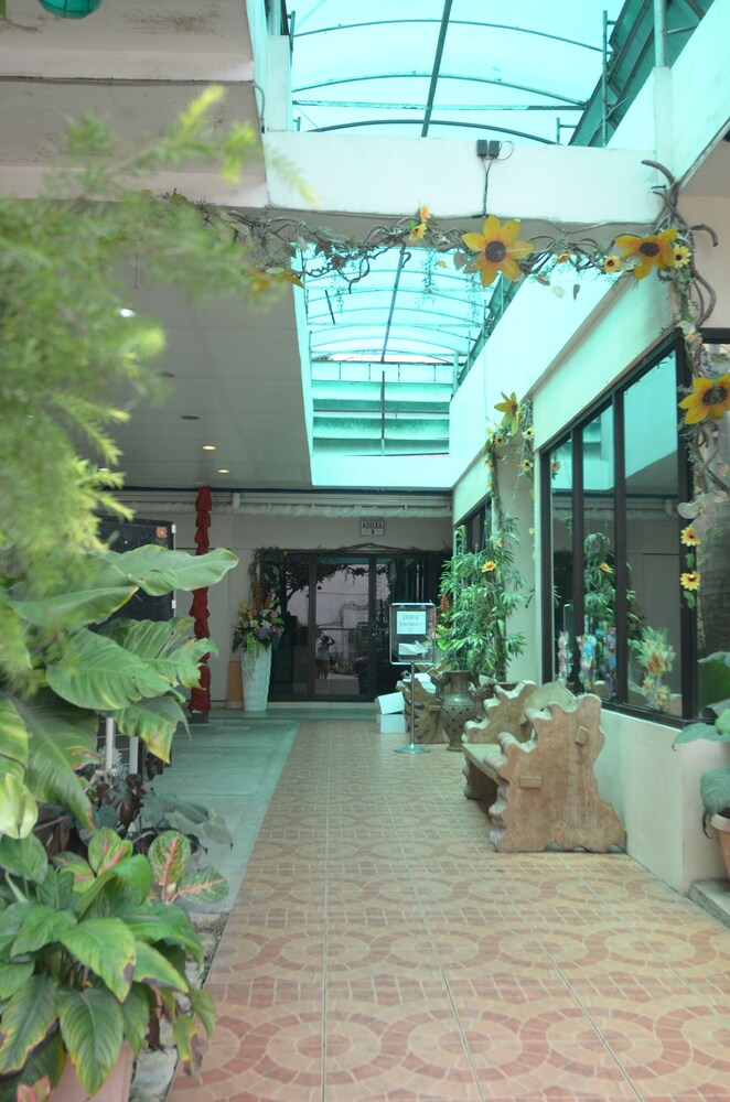 Gallery image of Reyna's the Haven & Gardens