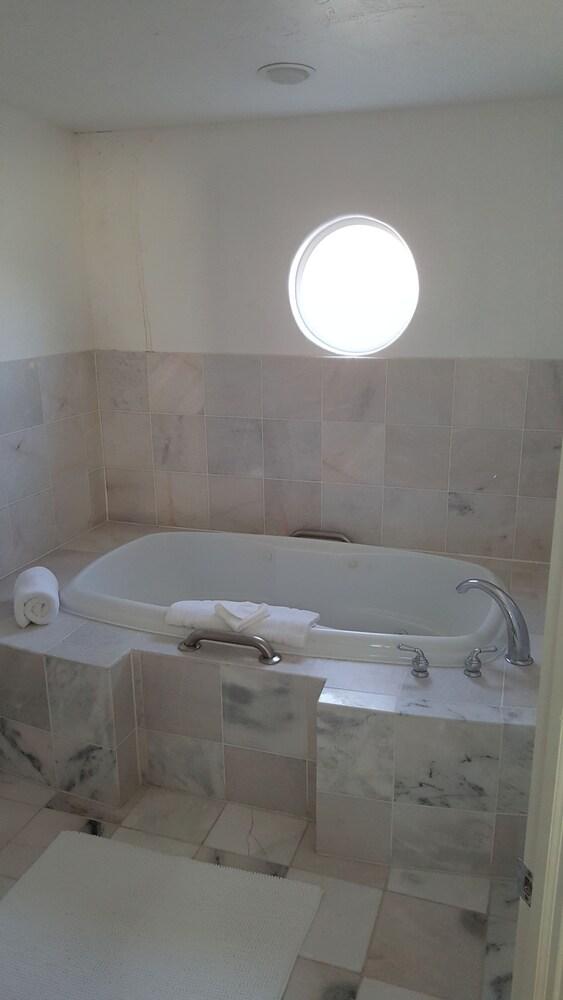 Gallery image of Amira Vacation Rental Resort