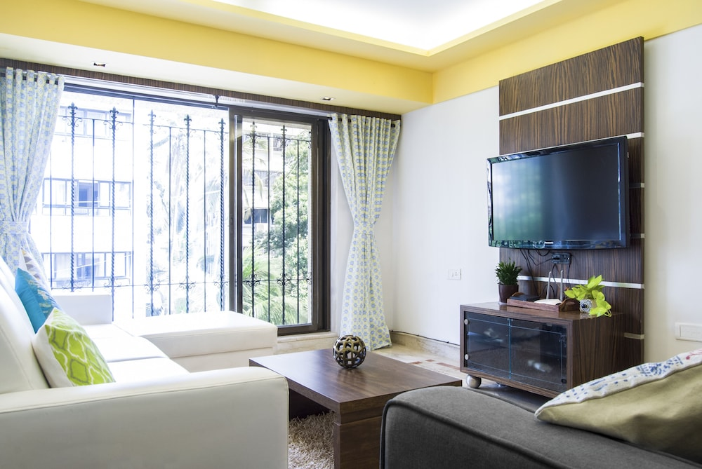 ConnektHomes Golden Rays Service Flat in Bandra Area