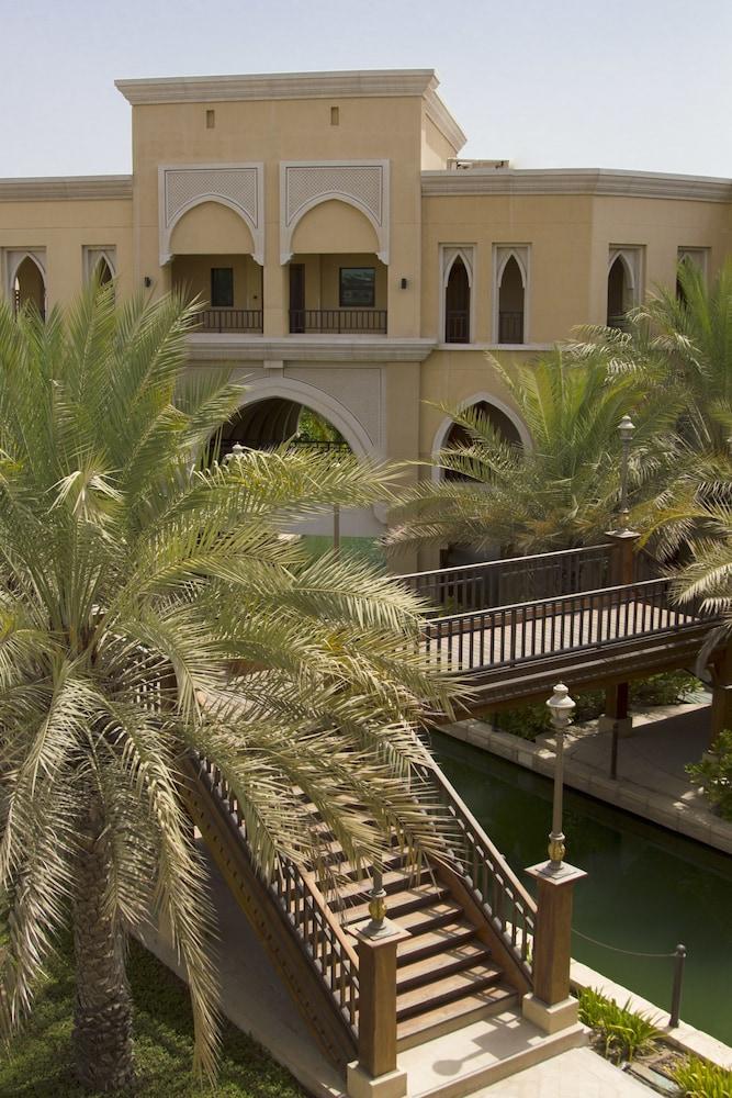 Shangri La Hotel Apartments Qaryat Al Beri