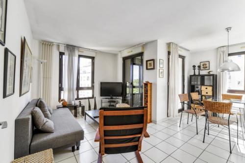 Welkeys Rue de Montreal Apartment