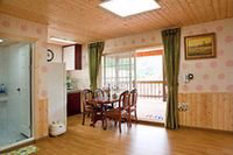 Gallery image of Namiseom Woorideul Pension