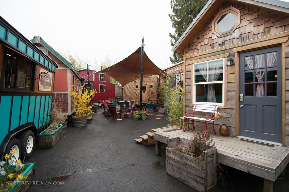 Caravan The Tiny House Hotel
