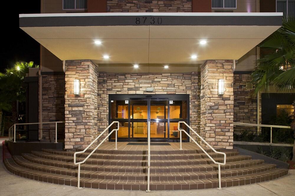 Gallery image of Fairfield Inn & Suites by Marriott Houston Hobby Airport.