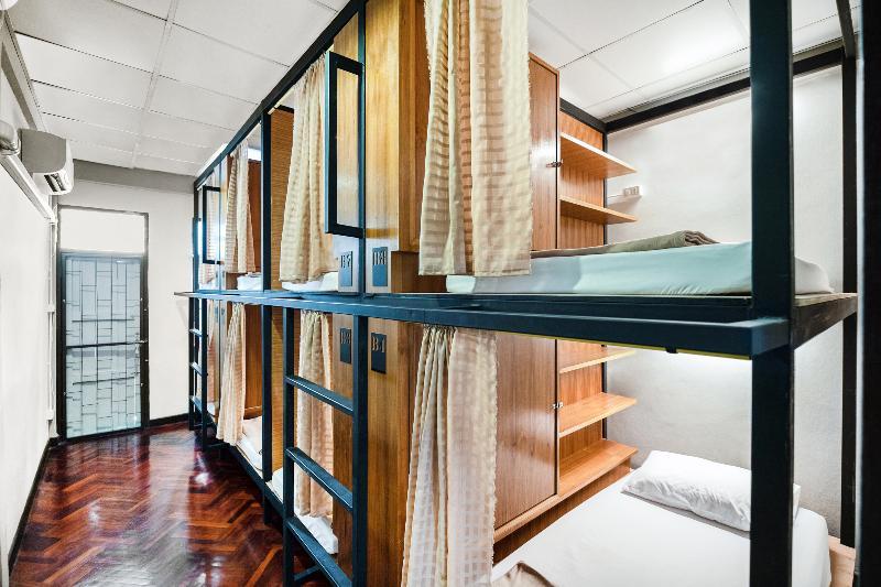 OYO 612 Hansa Hostel