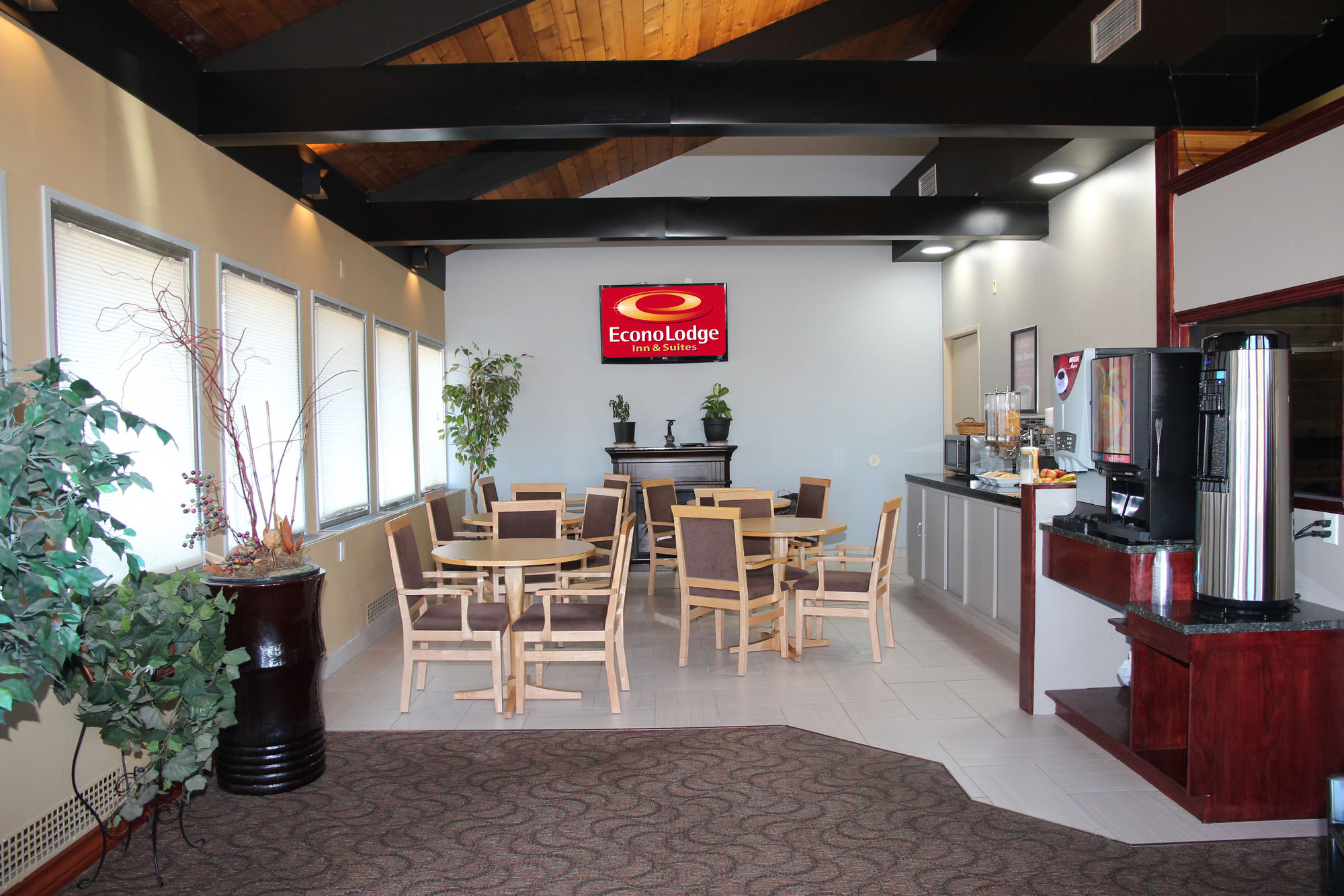 Gallery image of Econo Lodge Inn & Suites City Centre
