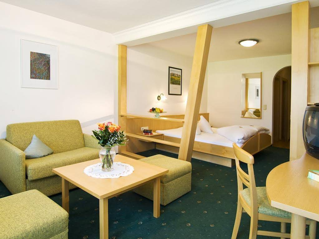 Gallery image of Alpin Hotel Schrofenblick