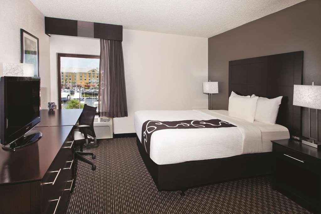 Gallery image of La Quinta Inn & Suites Charleston Riverview