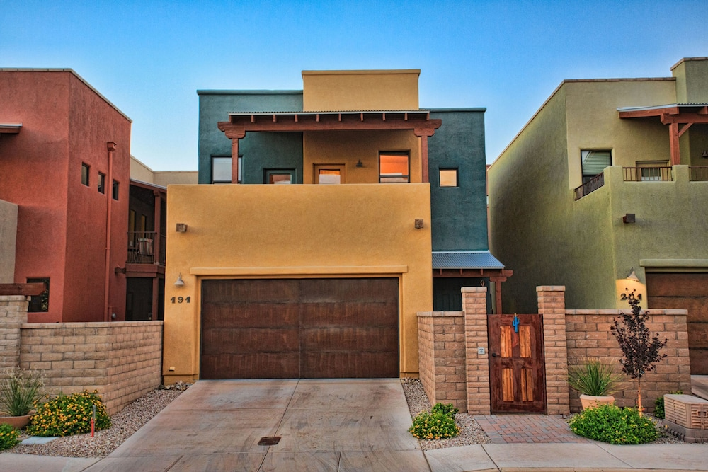 Heart of Tucson 3 BR by Casago