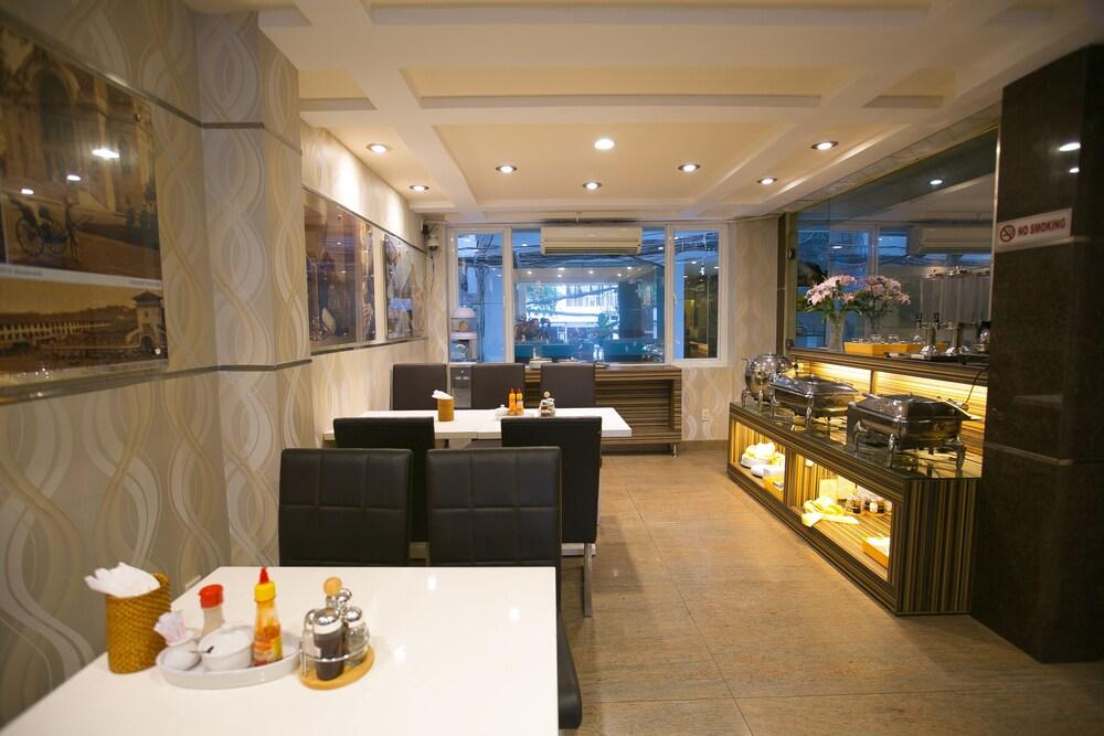 Gallery image of King Star Hotel Thai Van Lung
